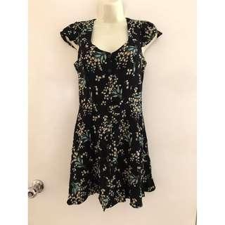 Euc Size S fits ladies 6-8 Glamorous brand floral black short mini dress