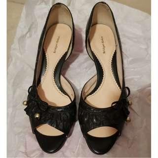 size 6.5-7- frill detailed open toe shoes