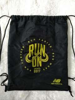 New Balance Run On 2017 String Bag