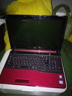 Laptop Fujitsu i5