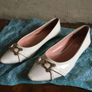 fladeo Flat Shoes White