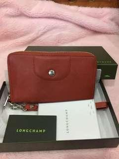 Guaranteed authentic Longchamp Cuir wallet