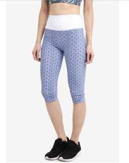 CottonOn Body high waist Capri tights (blue tiles/white)