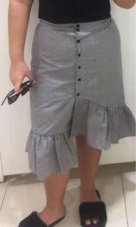 Ruffle skirt checkered