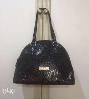 ORIG Guess Women's Shoulder Bag