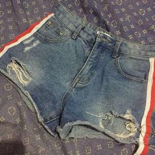 MAONG SHORTS WITH BLUE RED STRIPES