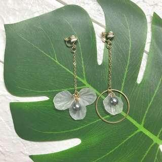 🚚 *new* clip on asymmetrical petal ☁️ dangling