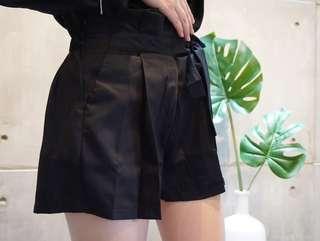 Short ribbon pants