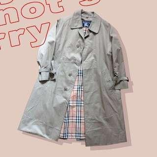 Burberry Trench Coat on saleee from 1299!!!