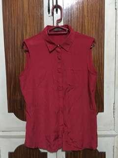 Folio Red sleeveless top with collar