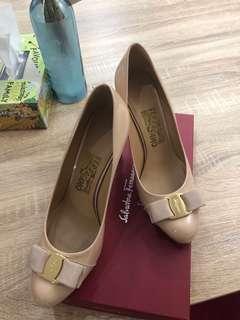 Ferragamo heels nude 71/2