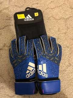 Brand new Adidas goalkeeper gloves