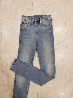 H&M light washed skinny jeans