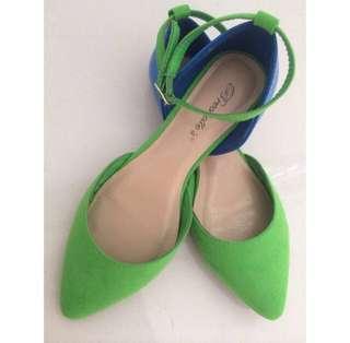 Bright Unique Two Tone Flats Shoes