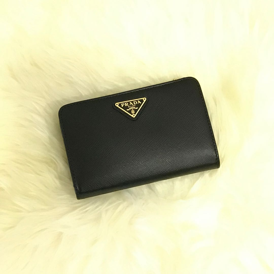 4f1d1bdcf22c 💯% Authentic Brand New Prada Black Saffiano Wallet 1ML225 QHH F0002 ...