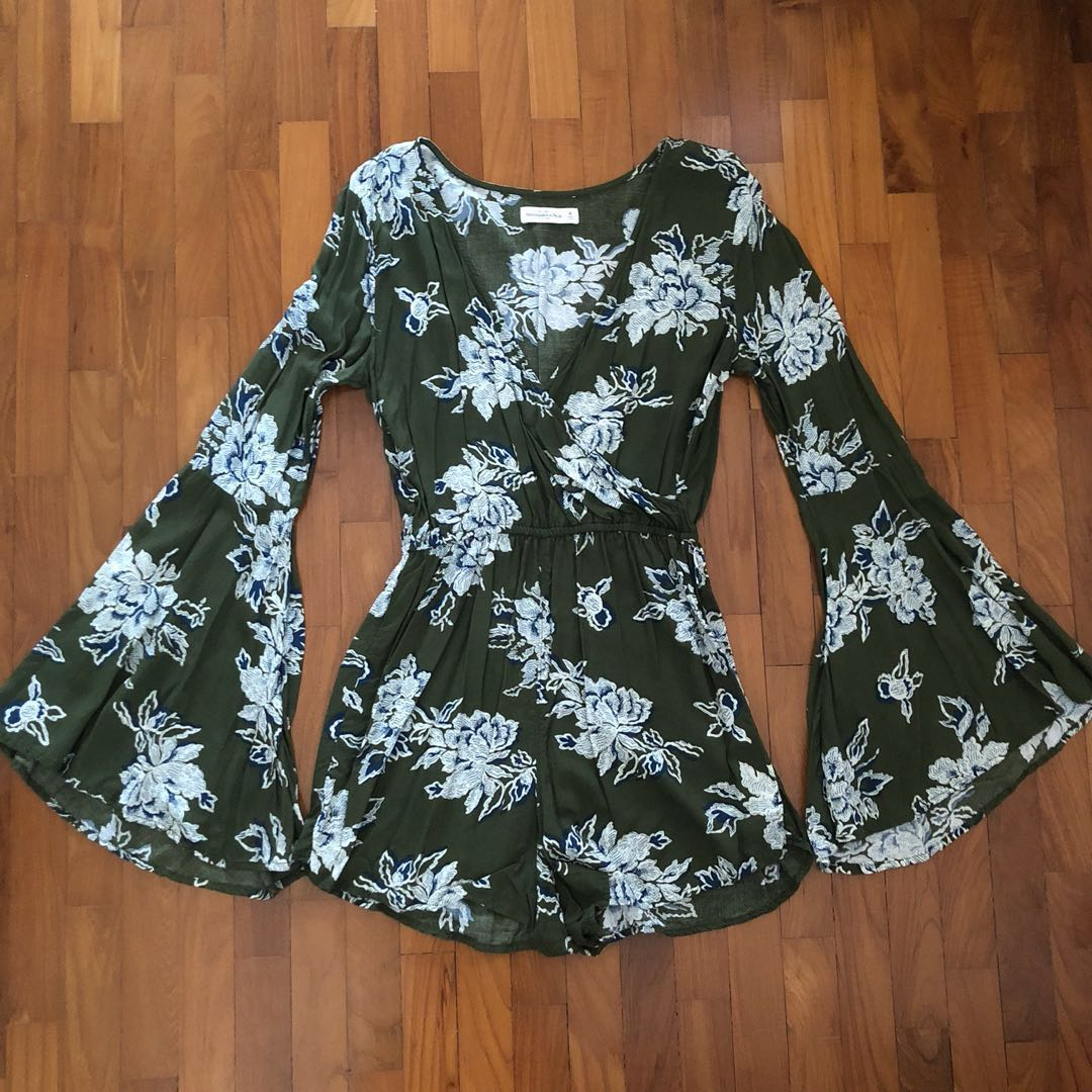 68572ef227a ABERCROMBIE   FITCH OLIVE FLORAL ROMPER
