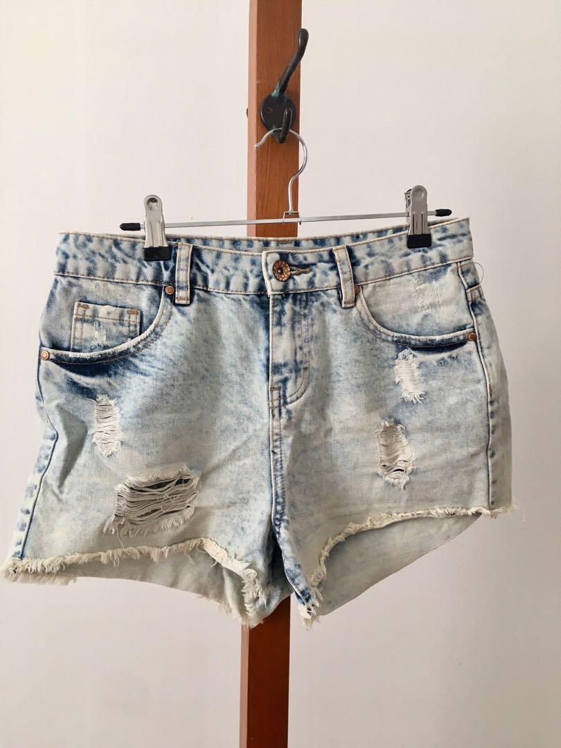 AS NEW ASOS Mom Shorts - Size 9