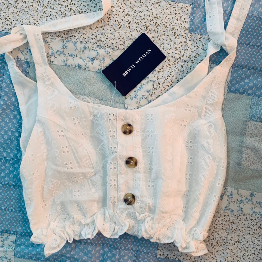 4767d6c054228 Bnwt White Lace embroided self tie frilly ruffled hem Crop tank TOP ...