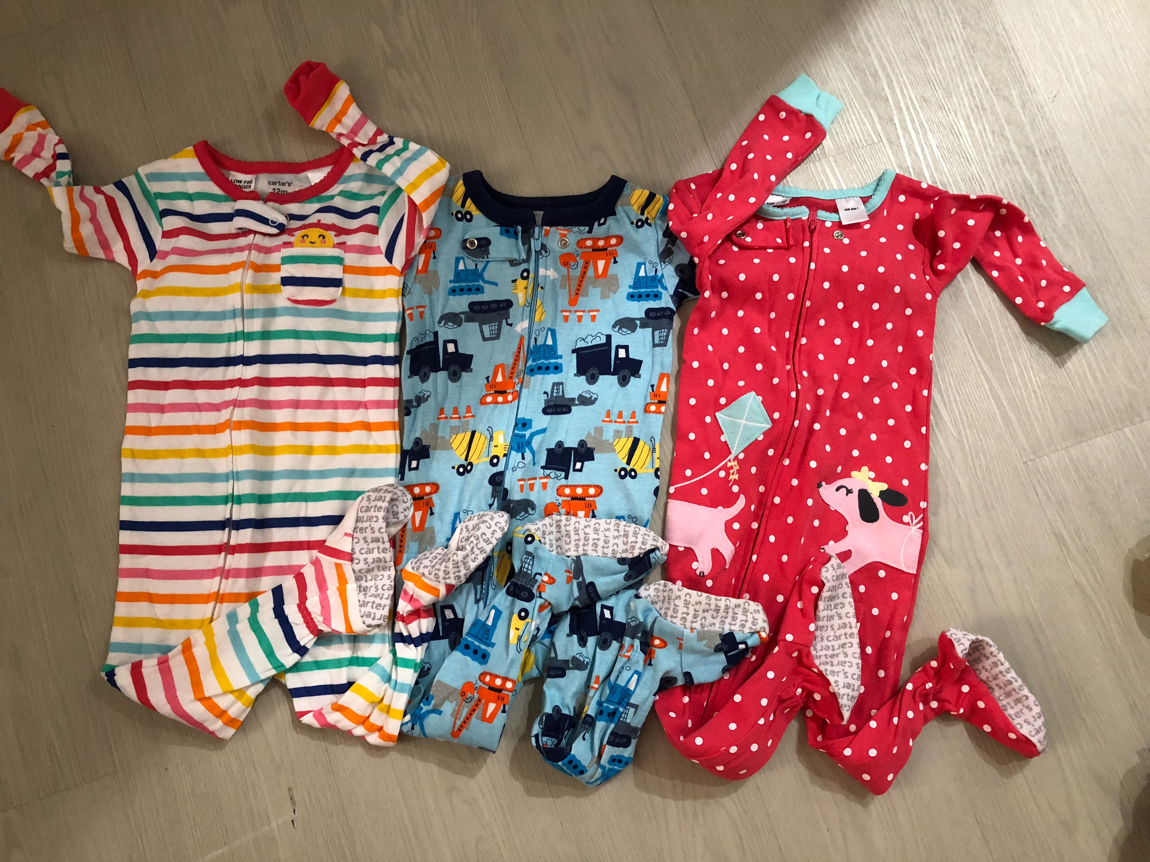 b8ddc737ab7b Carters baby zip up 1-piece PJs