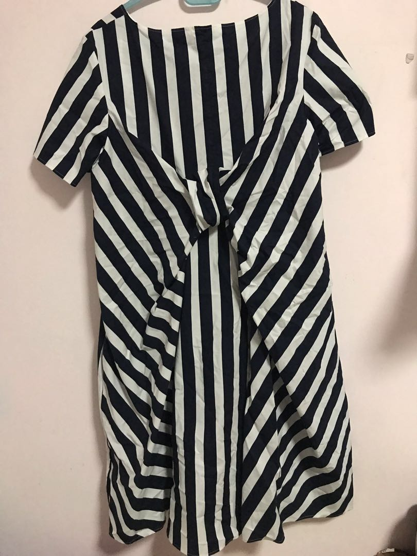 012d6c7cef702 COS Black and White Striped Dress, Women's Fashion, Clothes, Dresses &  Skirts on Carousell