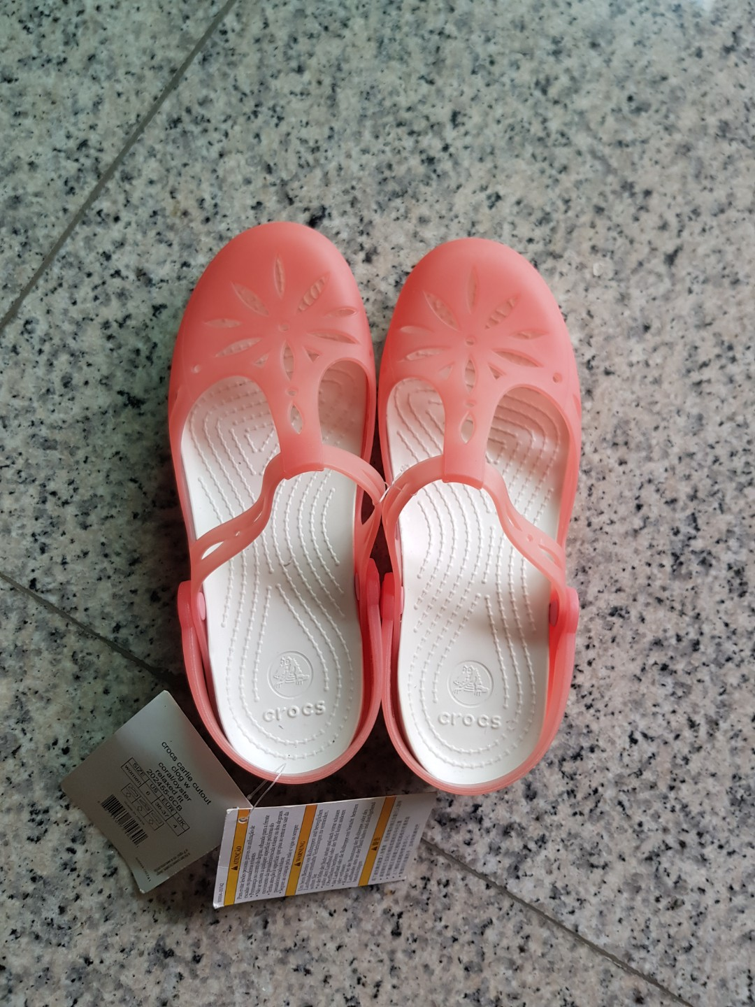 5a33701b01e60 Crocs Carlie Cutout clog with relax fit Size W6