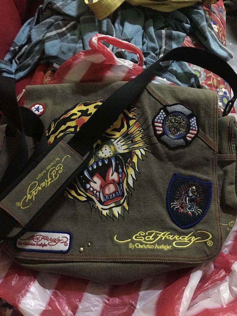 3fd284e6ef0d Ed Hardy by Christian Audigier sling messenger bag
