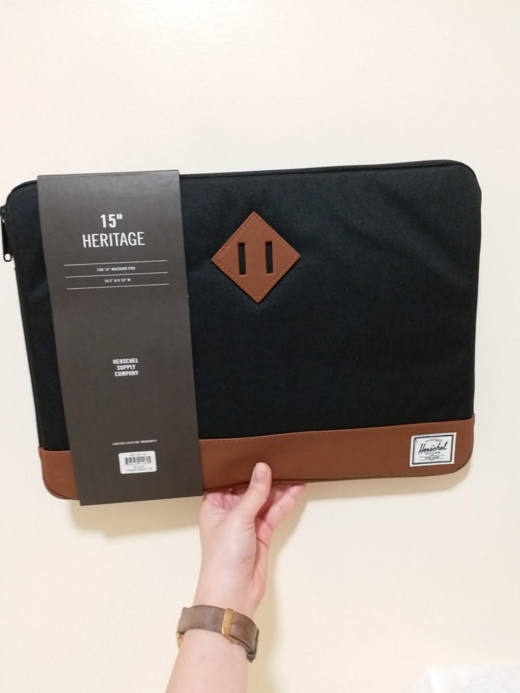 """Herschel *NEW* 15"""" mac book sleeve"""