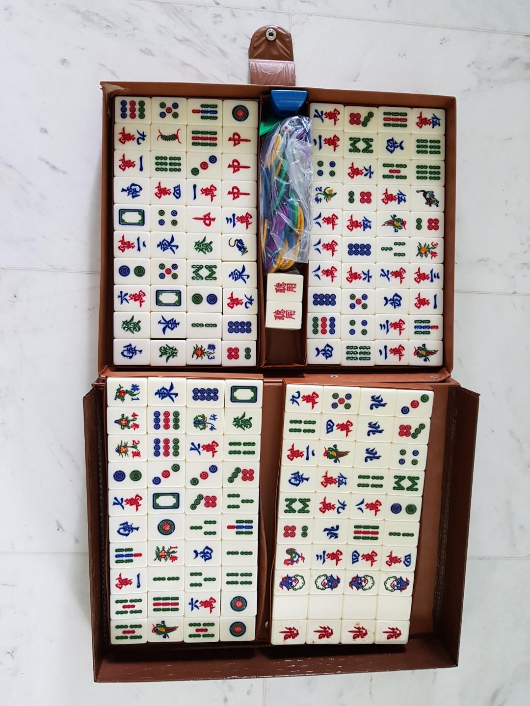 Mahjong Set (Light Blue coloured tiles)