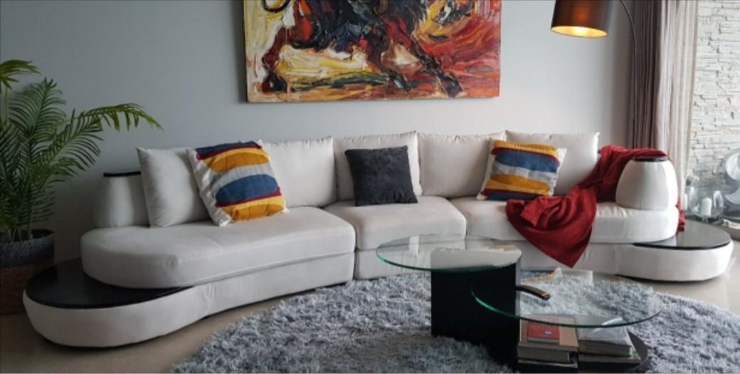 Modular curved white sofa set