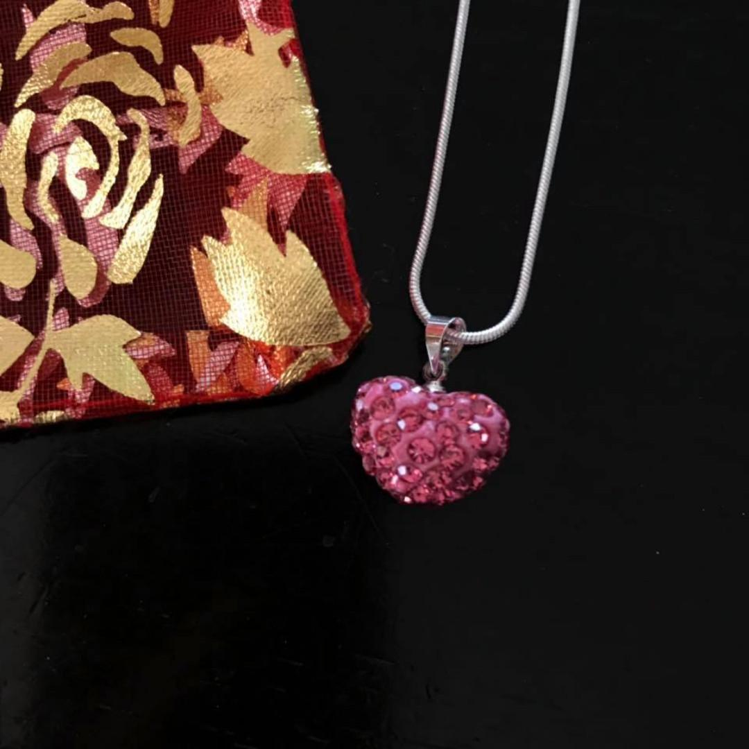 New 3D heart with faux gems pendant necklace with woven like chain