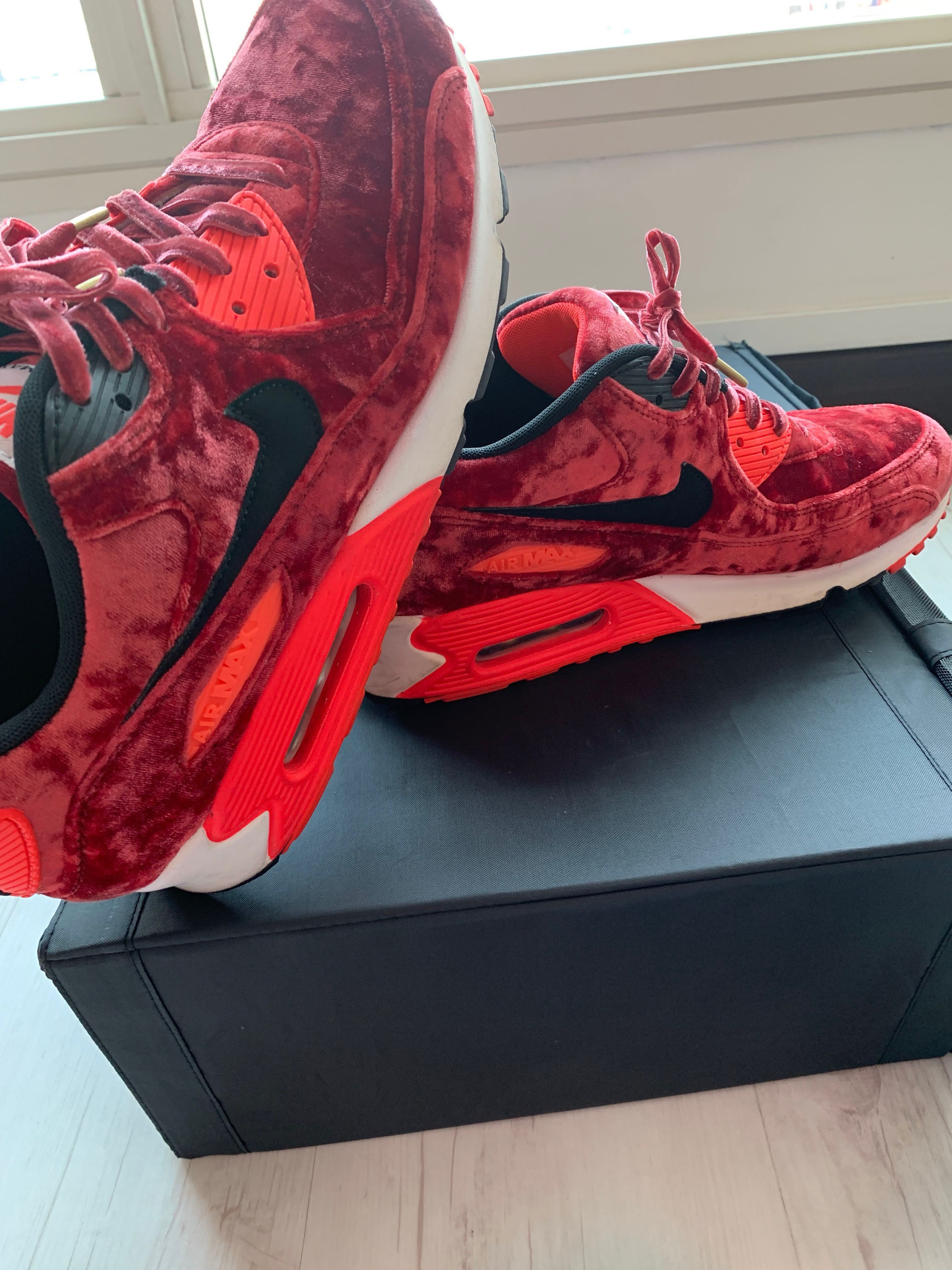 d5c6f97c7a Nike Air Max 90, Men's Fashion, Footwear, Sneakers on Carousell