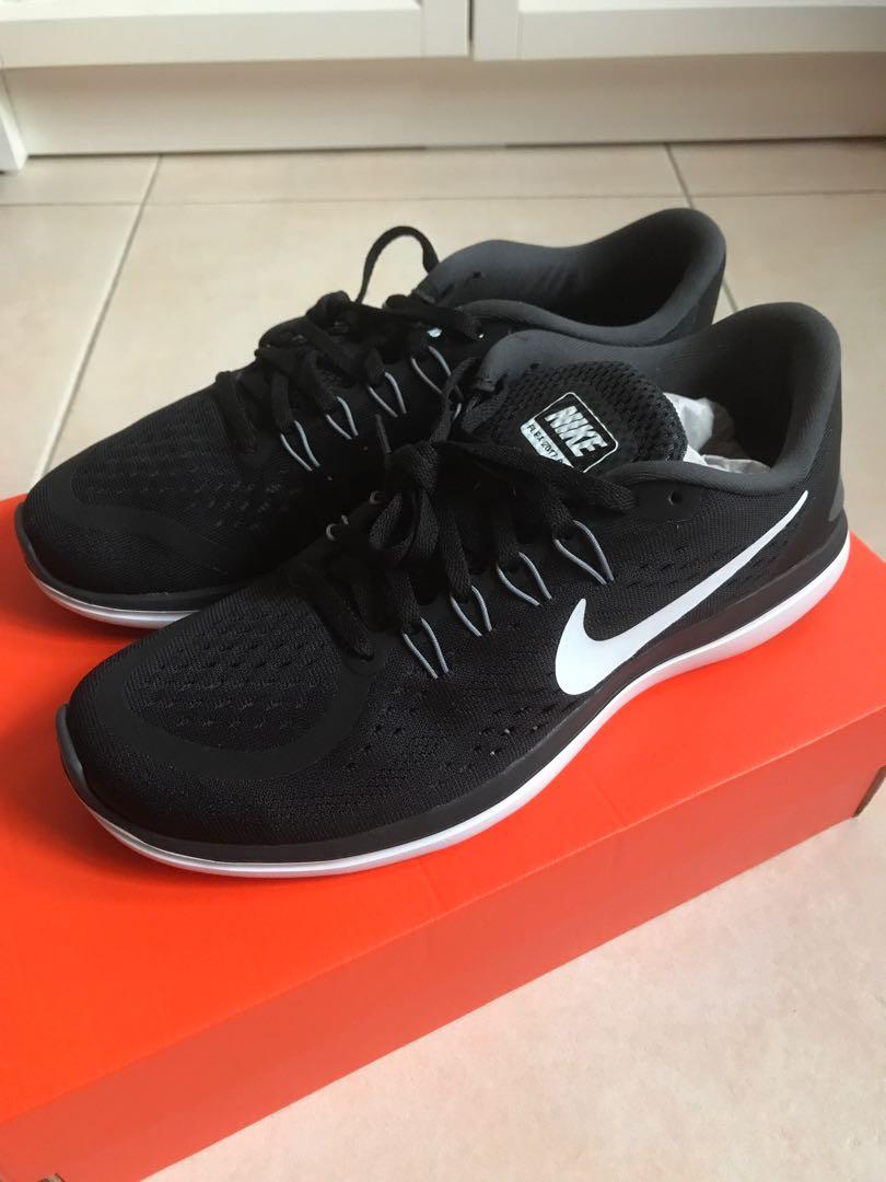 325b74529fb8 Nike Flex 2017 RN Running Shoes