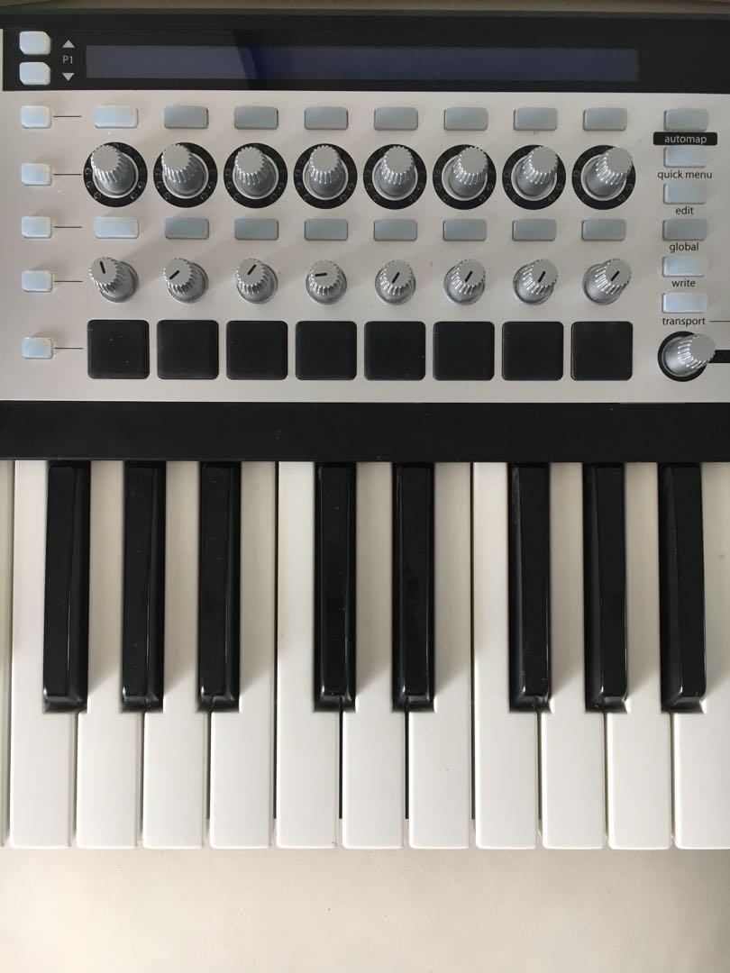 Novation SL MkII 61 key midi controller.