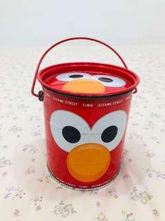 Kotak Kontainer Elmo