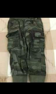 Baby GAP celana army size 2yrs