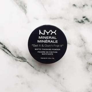 NYX Mineral Minerale Matte Finishing Powder