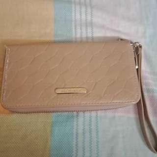 Preloved Mikaela wallet