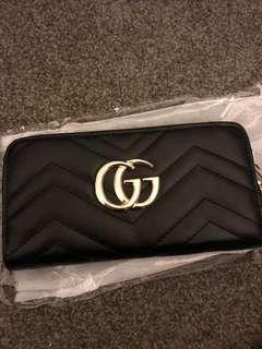 Gucci wallet (non authentic)