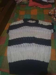 Sweater pendek
