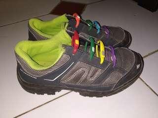 Sepatu Quechua anak 7th