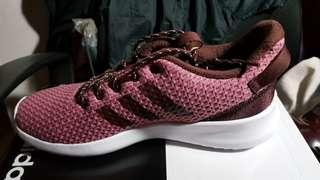 🚚 全新 Adidas 女慢跑鞋 情人節禮物
