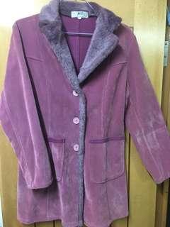 紫色絨面大褸