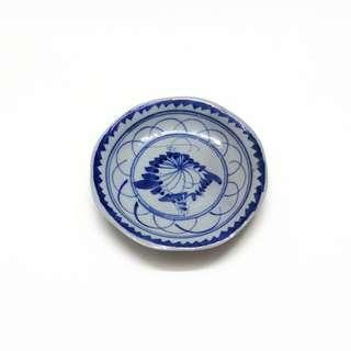 "Antique Hand Painted Blue & White Footed Plate ( 4.6"" )"