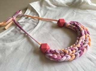 🚚 Handmade t-shirt yarn necklace in pastels