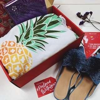 🚚 Tiq's Flamboyant #PrelovedwithLove box