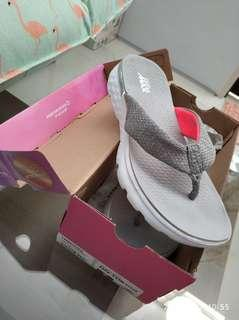 sandal skechers