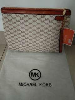 MK Zipper Document Pouch