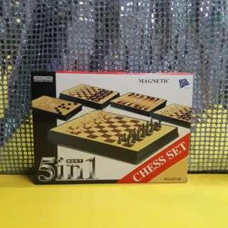 CHRISTMAS SALE! 5 IN 1 CHESS GAME