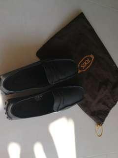 TOD'S shoe size 37 black