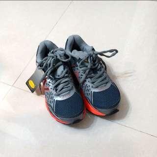 NB行山鞋